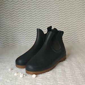 Eddie Bauer sloggers boots